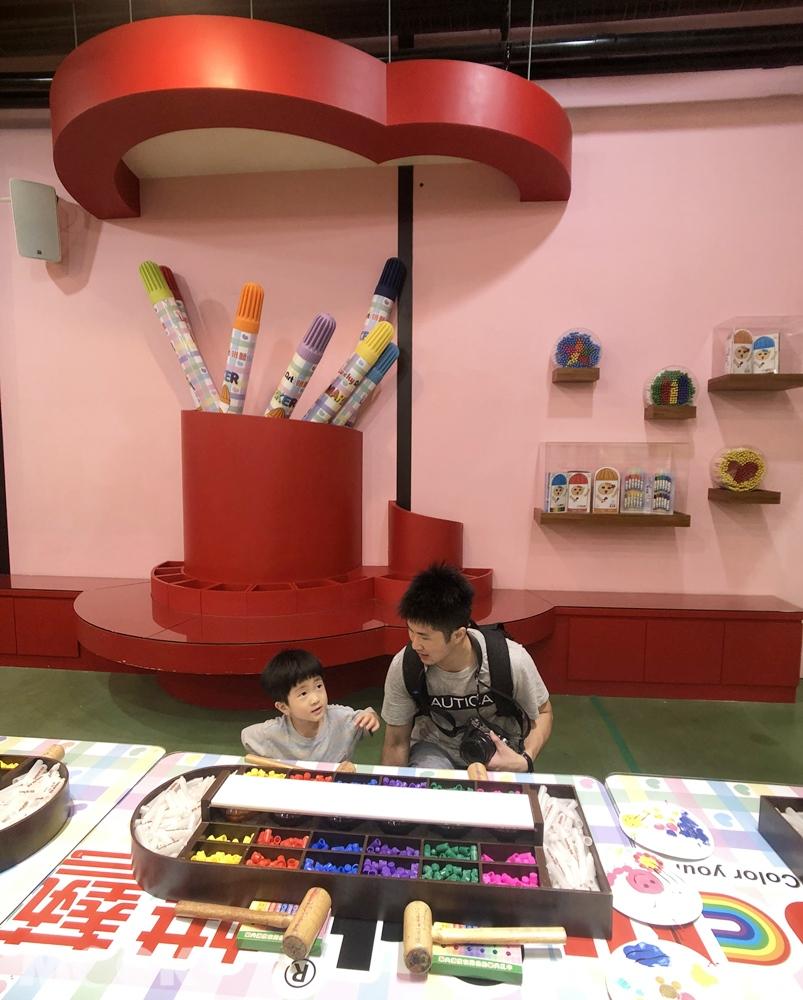 宜蘭 蘇澳 蜡藝蜡筆城堡 DIY 彩色筆