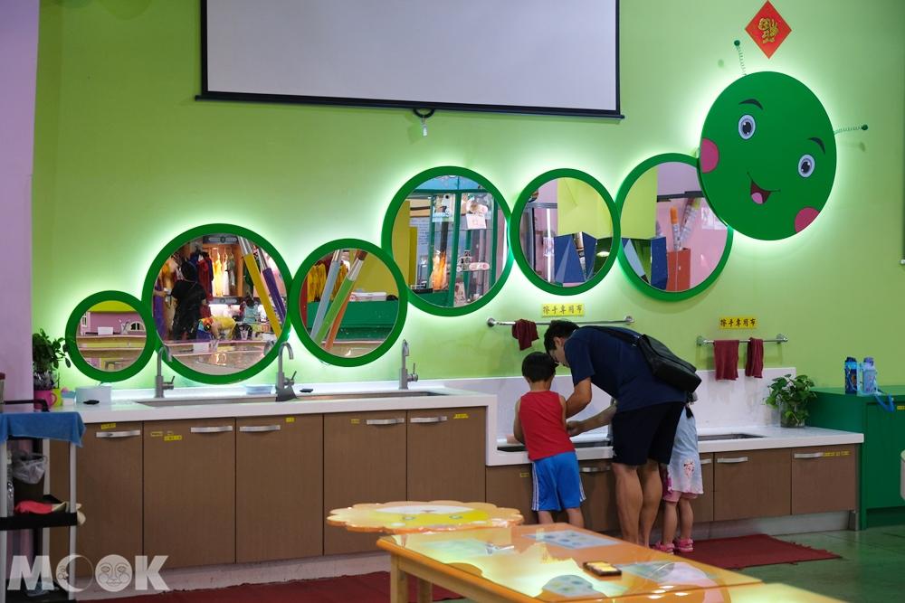 宜蘭 蘇澳 蜡藝蜡筆城堡 DIY 人體彩繪教室