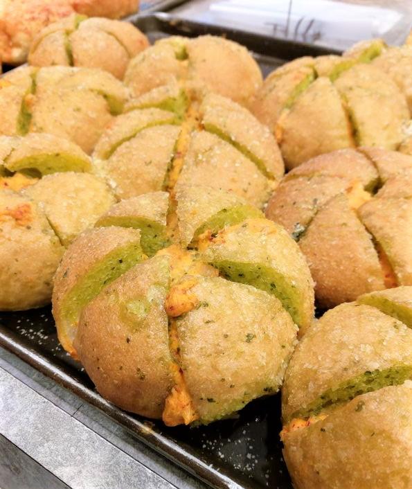 布里王子_韓國爆漿包 韓式泡菜口味的酸酪爆漿包