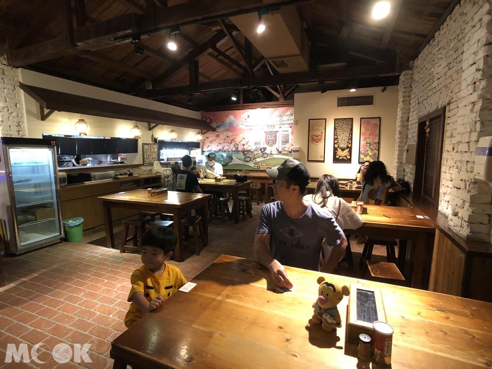 樂山溫泉拉麵 二店、公園店 環境