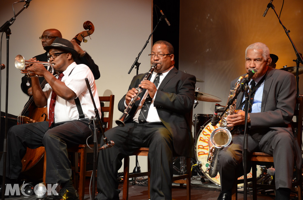紐奧良爵士樂隊表演