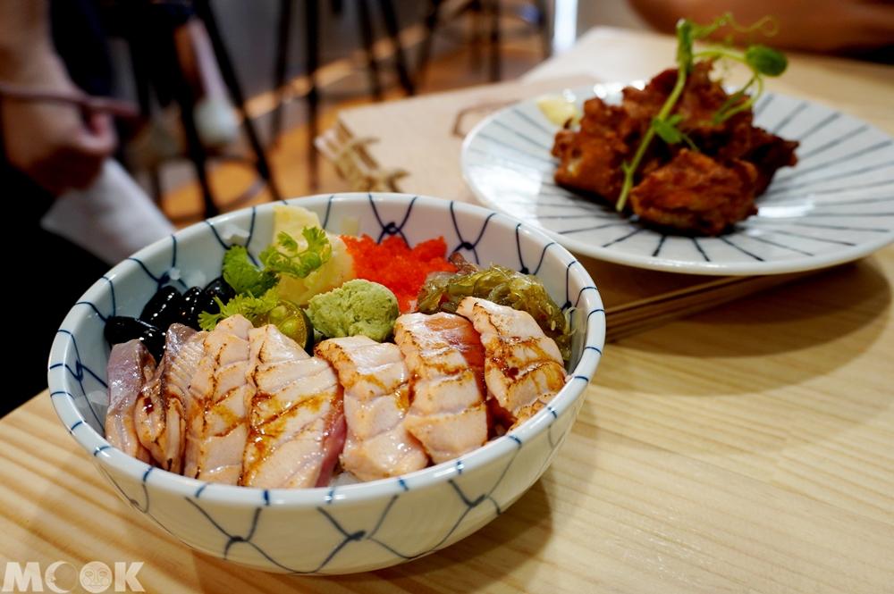 台灣台北市 南京復興站 THE 春 餐點炙燒鮭魚丼