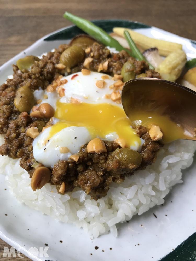 新竹微生咖啡的推薦料理肉末咖哩
