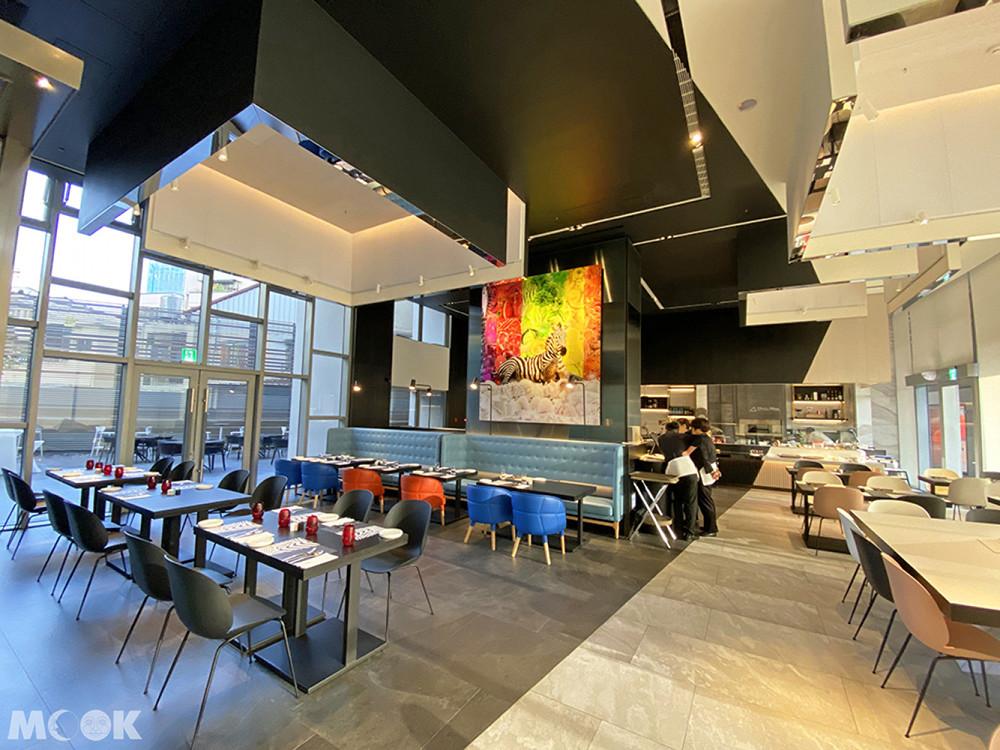 ZEBRA餐廳超大幅畫作