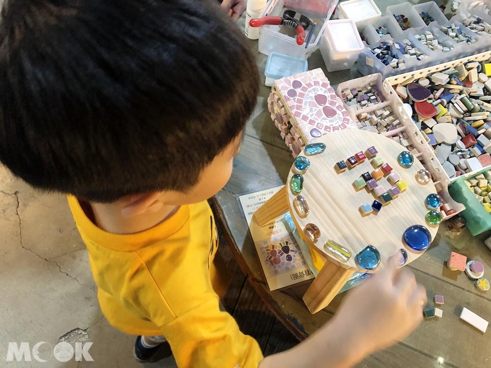 鶯歌 陶趣家DIY馬賽克工坊 小椅子製作