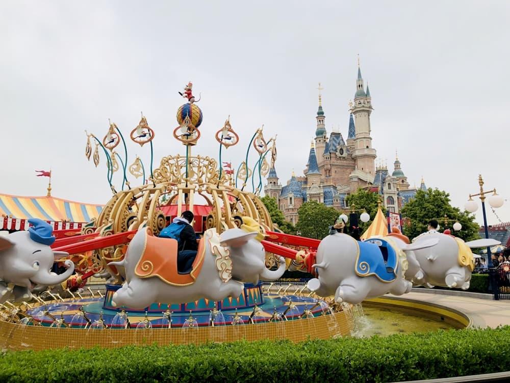 上海迪士尼小飛象