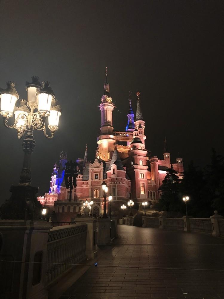 上海迪士尼樂園城堡夜景