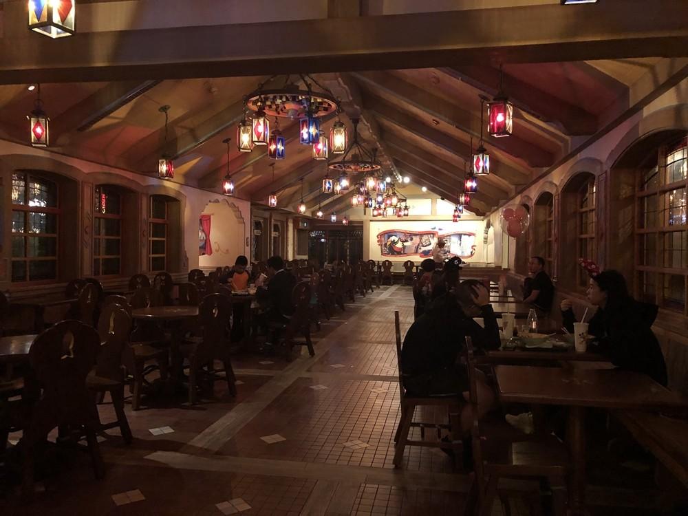 上海迪士尼皮諾丘鄉村廚房用餐環境